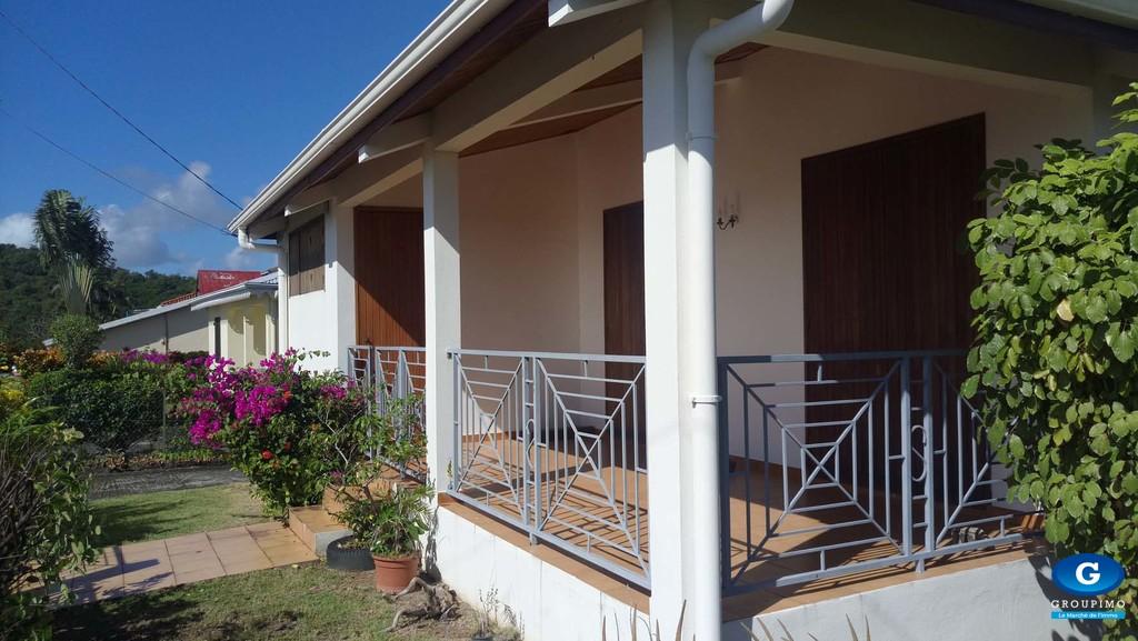 Villa sise Montée du Clapotage Pointe Savane Le Robert 3 pièces