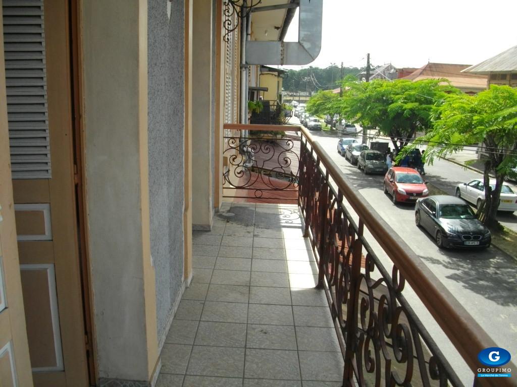 Appartement meublé centre Ville SAINT LAURENT DU MARONI  3 pieces
