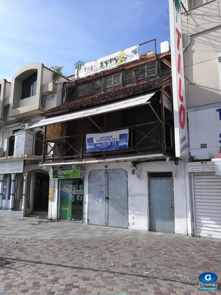 Ensemble d'immeubles commerciaux situé Rue Ernest Desproges & Victor Hugo