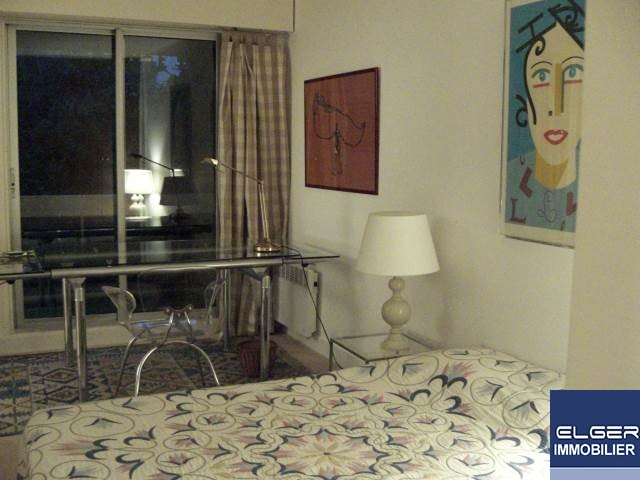 TWO FURNISHED ROOMS WIT LARGE BALCONY rue Dombasle Métro CONVENTION