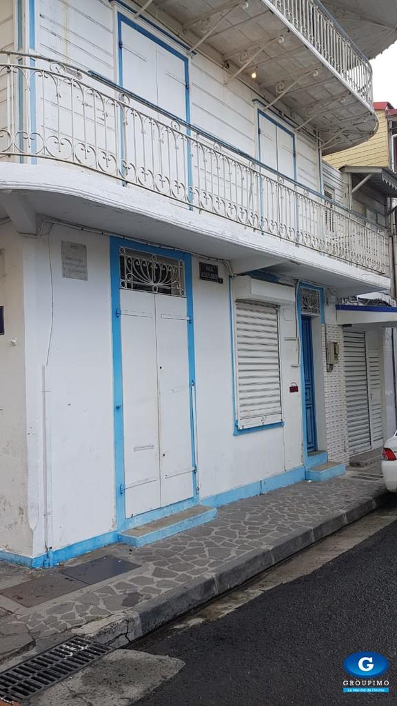 UN LOCAL COMMERCIAL RUE ALSACE LORRAINE 45 m² POINTE A PITRE