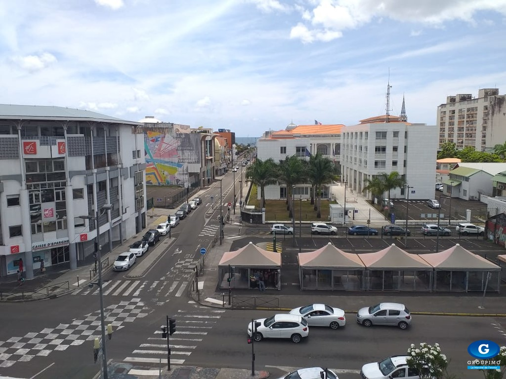 Local Professionnel - Centre Ville - Fort de France - 57 m²
