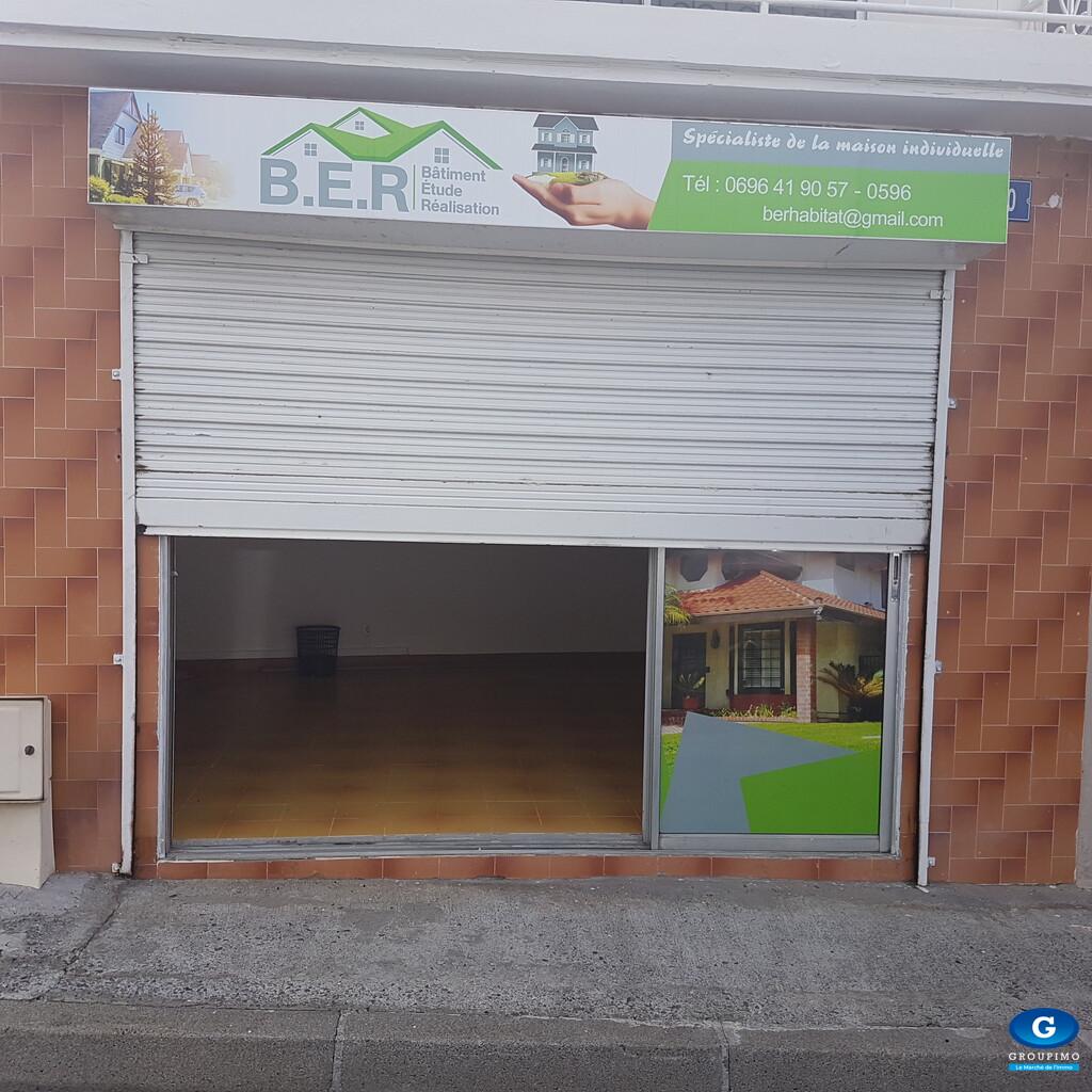 Maison + local  - Bourg - Le Lamentin - 5 pièces