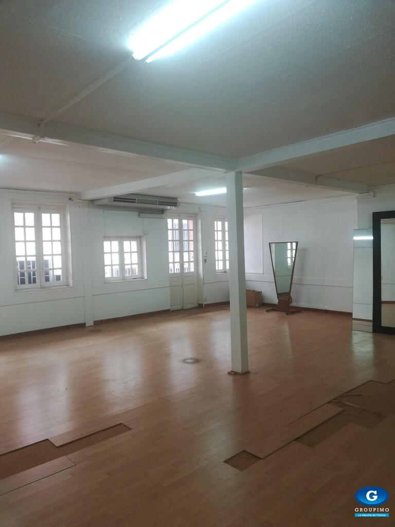 Local Commercial - Centre Ville - Fort de France- 240 m²