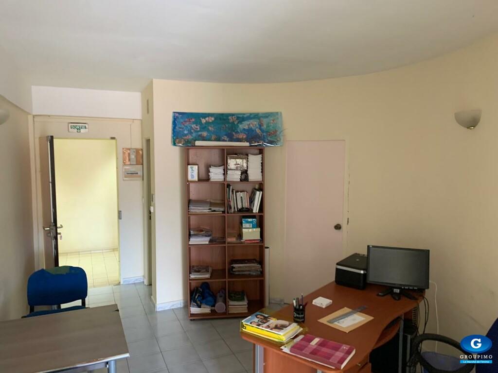 Local professionnel Centre Commercial Le Trident