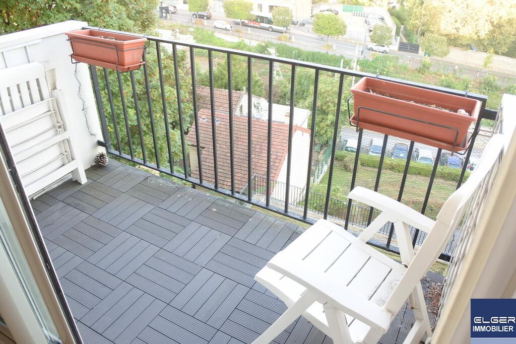 BEAU 2 PIECES avec balcon METRO VAL FLEURY