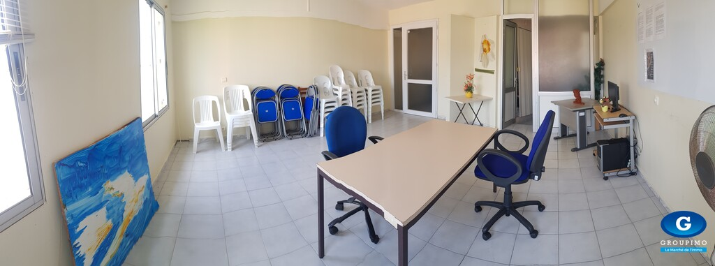 Local professionnel sis Centre Commercial le Trident FDF