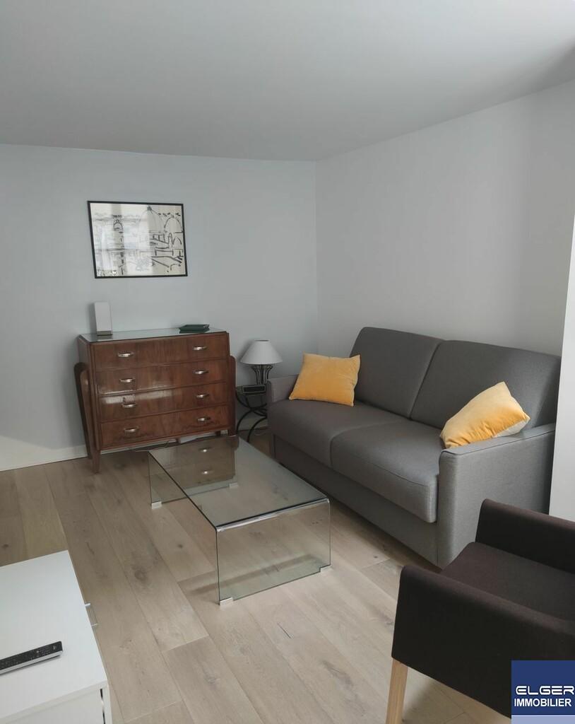 CHARMING LITTLE HOUSE 2/3 ROOMS rue Gutenberg METRO C.MICHELS ou BOUCICAUT ou RER JAVEL