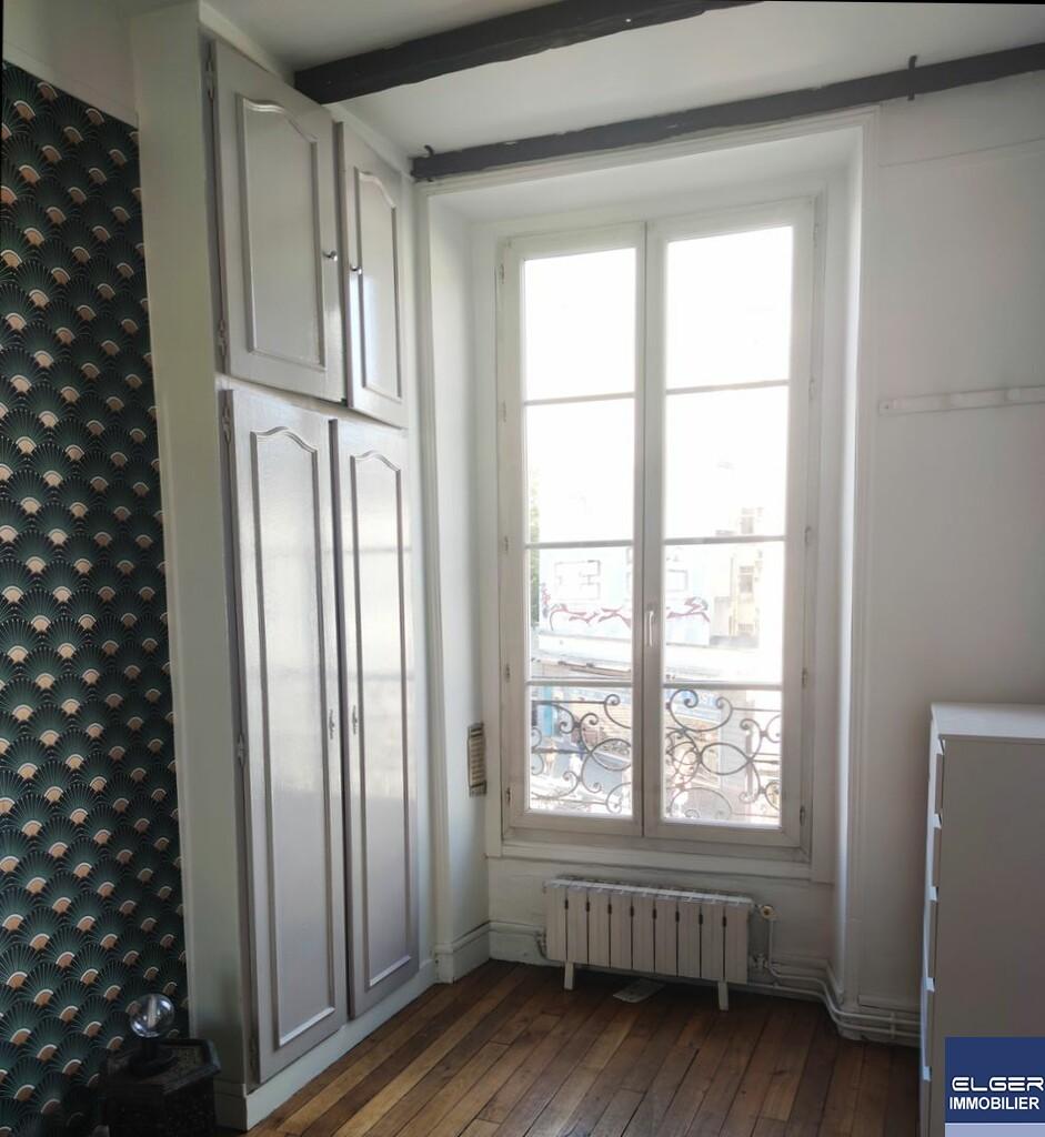 GRAND 2 PIECES MEUBLEES rue Sibour Métro GARE DE L'EST
