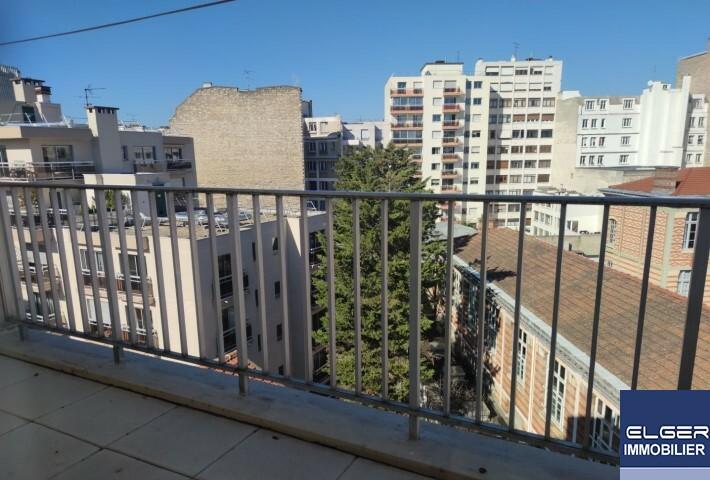5 PIECES DUPLEX MEUBLE  AVEC TERRASSES rue Théodore Deck Métro CONVENTION