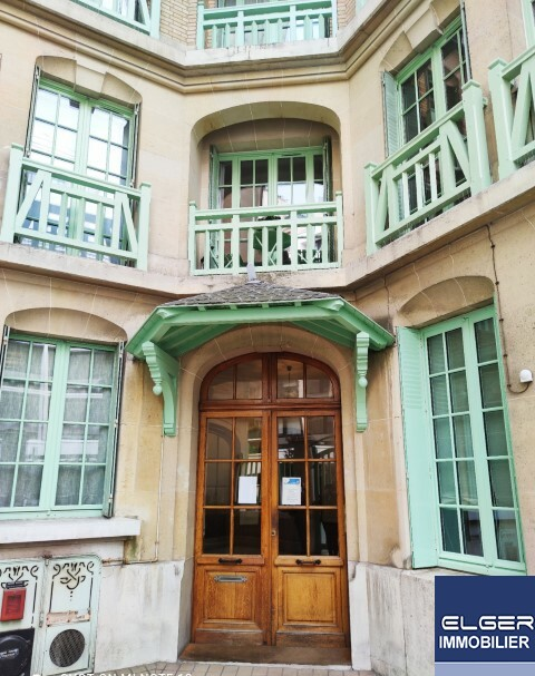 TRES BEAU 3 PIECES rue Blomet Métro VAUGIRARD