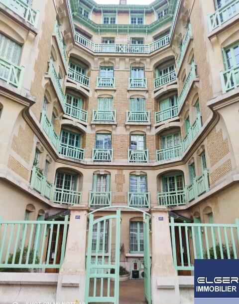 VERY NICE 3-ROOMS rue Blomet Métro VAUGIRARD