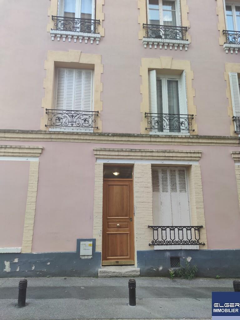 STUDETTE rue Roger Salengro LE KREMLIN BICETRE Métro  PORTE D'ITALIE